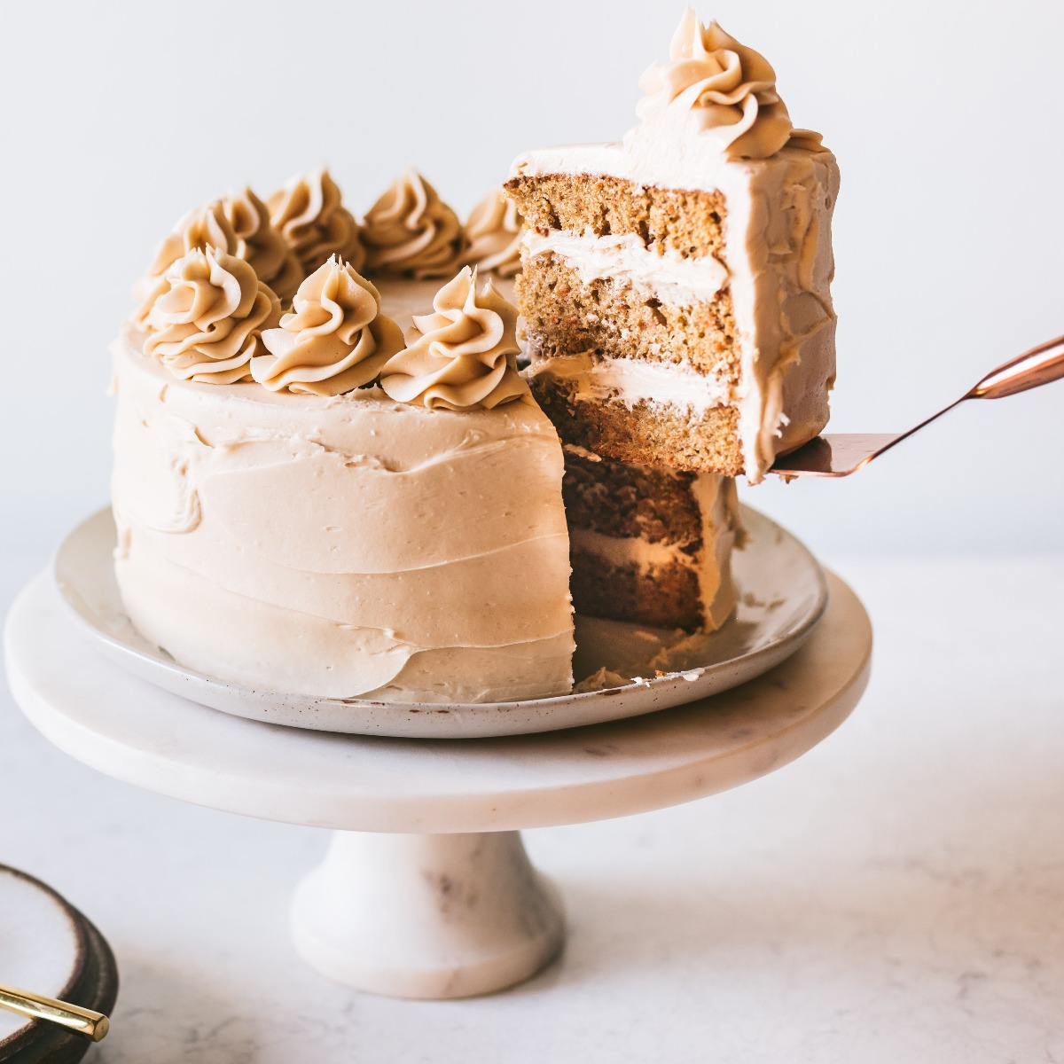 ALMOND INSPIRATION CARROT CAKE