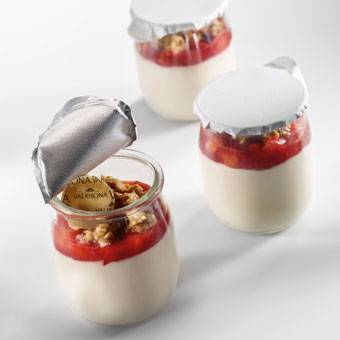STRAWBERRY AND ALMOND PANNA COTTA
