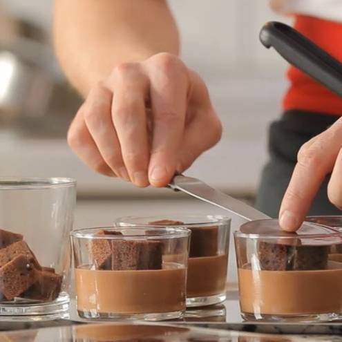 CUSTARD-BASED CHOCOLATE MOUSSE