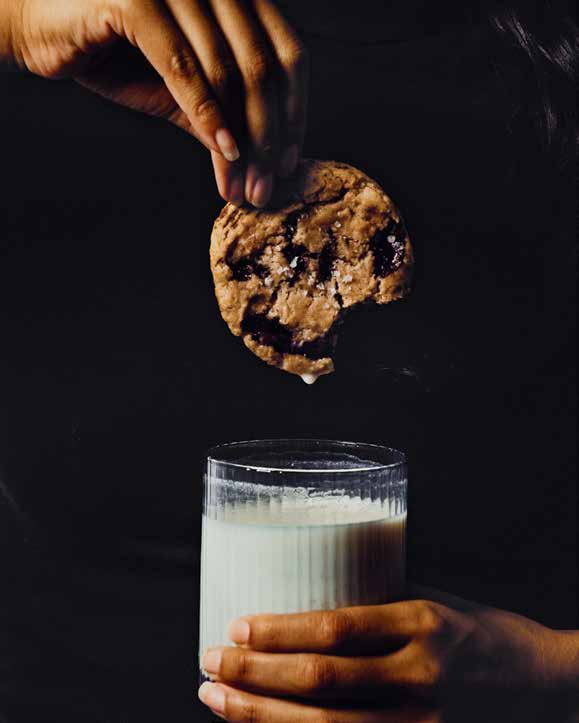 KELLY FIELDS' CHOCOLATE CHIP COOKIES