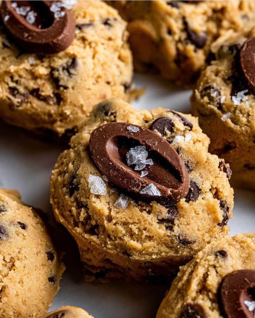 Feve-Topped Cookies Trend