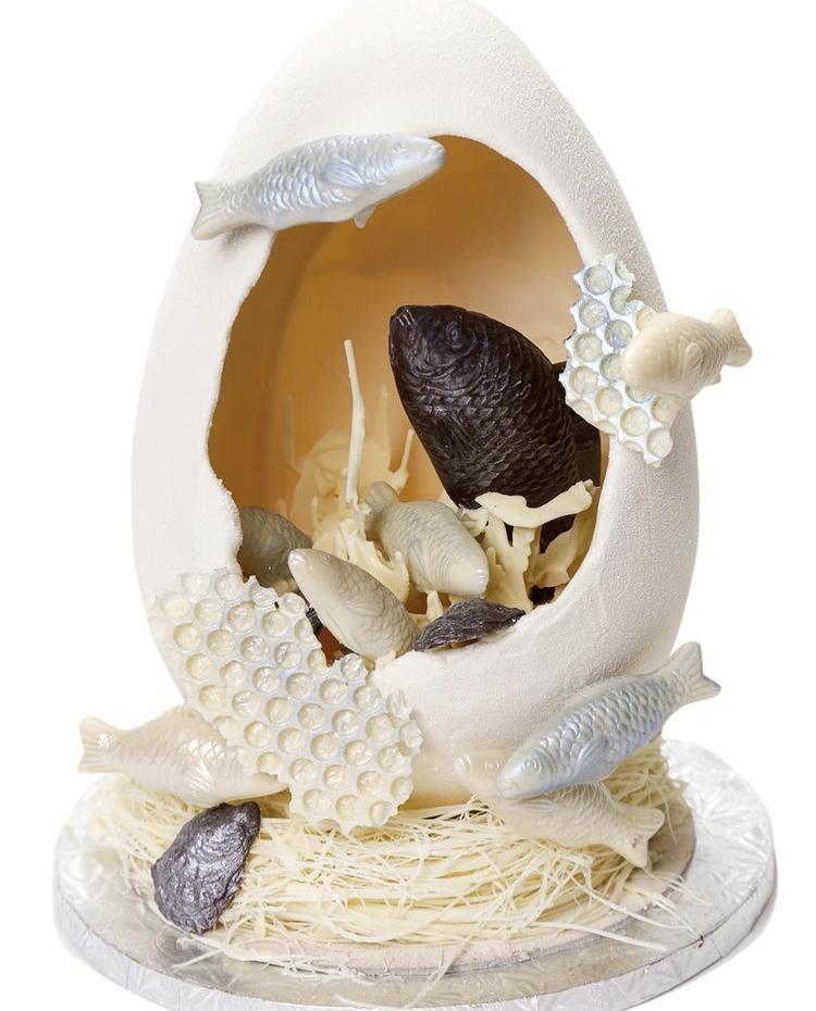 Pix Patisserie Easter Egg Aquarium