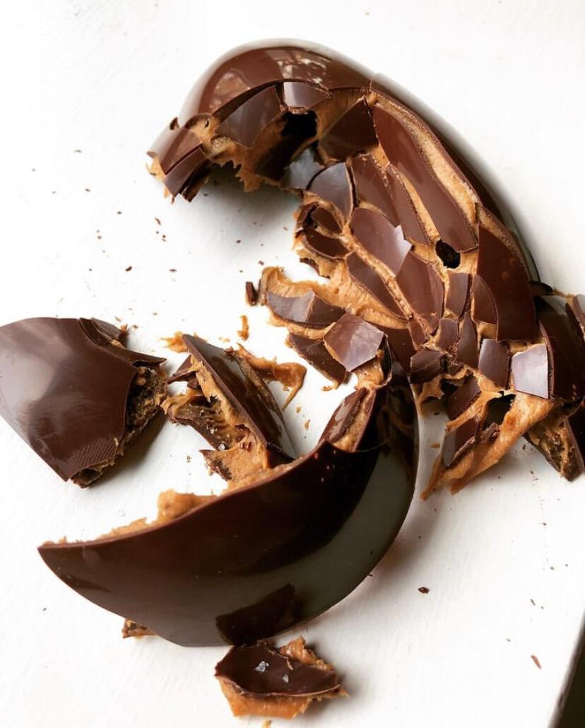 Rhubarbe MTL Chocolate Almond Egg