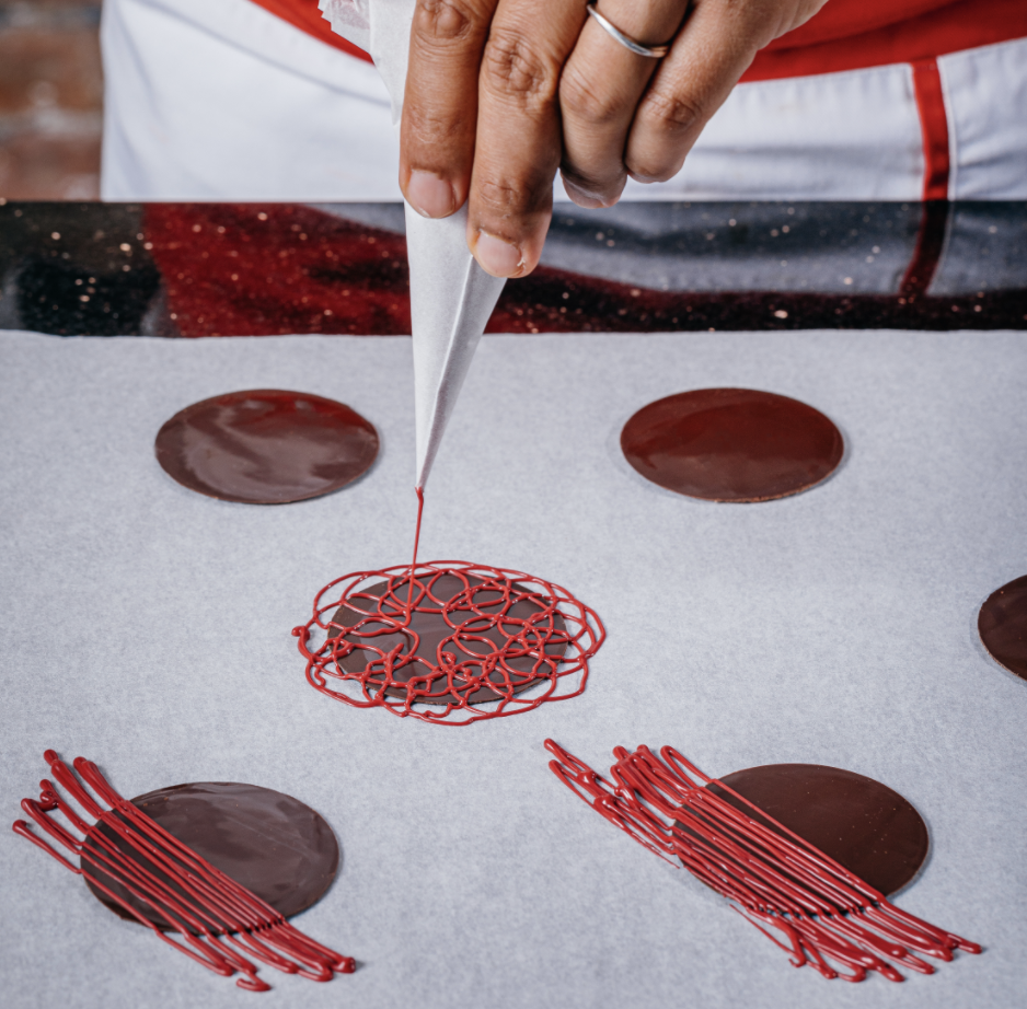 simple technique for creating decorative chocolate