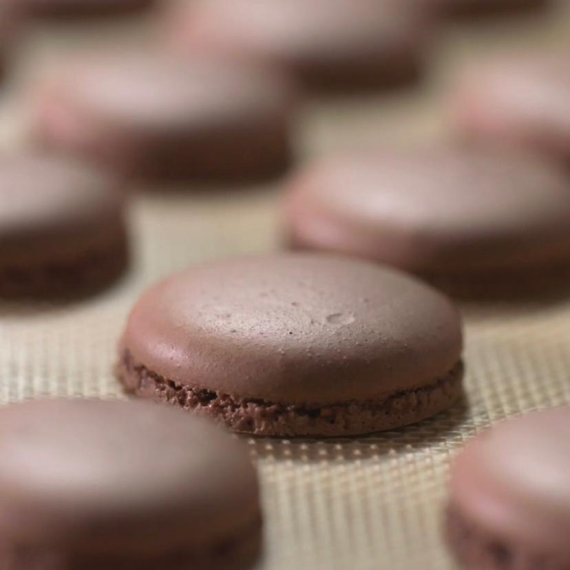 Cocoa Macarons Tutorial – The Essentials by Valrhona