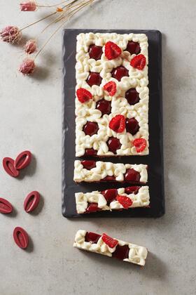 Raspberry and vanilla tart