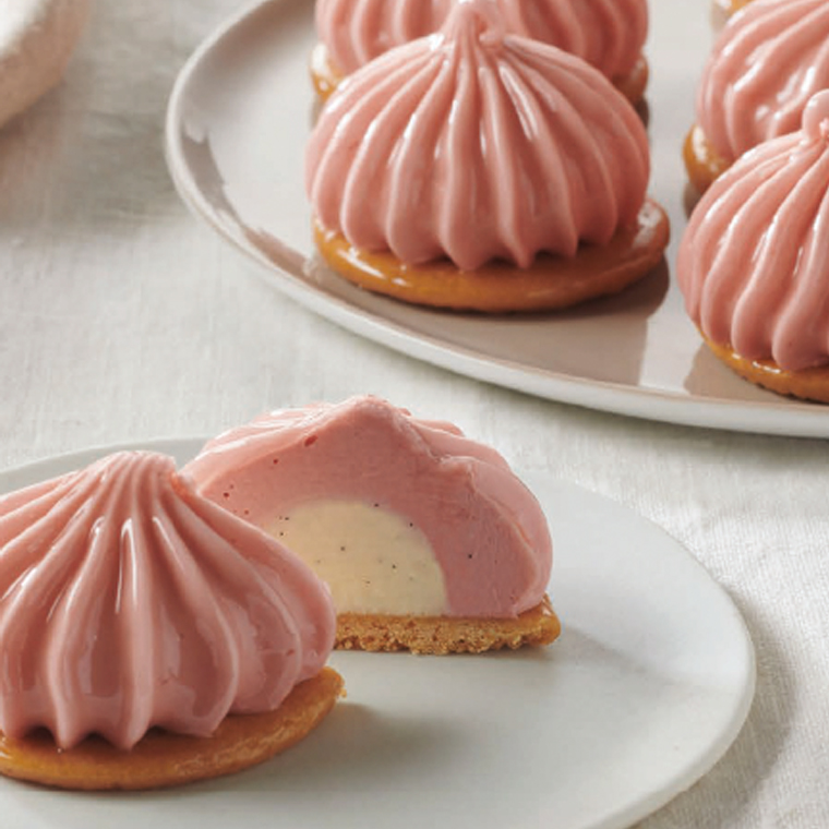 STRAWBERRY INSPIRATION AND IVOIRE TARTLETS